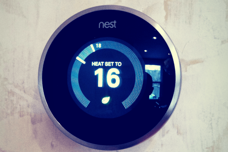 How Nest Thermostat Learns Your Temperature Preferences - title